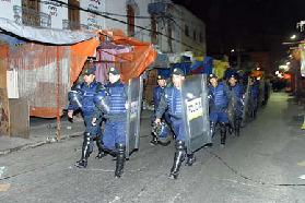 <!--:es-->Desalojan a 12 Familias en Tepito<!--:-->