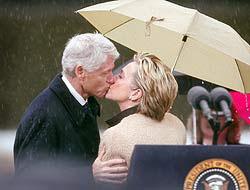 <!--:es-->Bill Clinton, el arma oculta de Hillary<!--:-->
