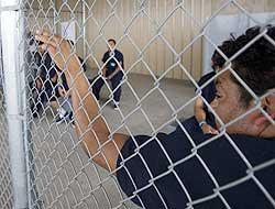 <!--:es-->Indocumentados abandonados en cárceles! …Murieron 62 por falta de atención médica!<!--:-->