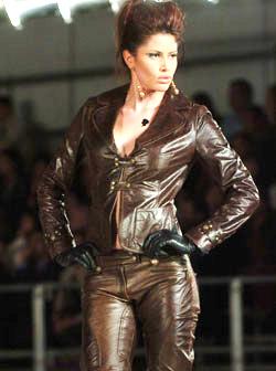 <!--:es-->Moda rebelde,  transgresora, sexy e irreverente  . . . . . . Regresan con fuerza los años 80<!--:-->