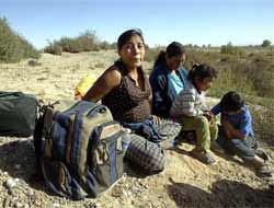 <!--:es-->El nuevo 'sueño americano'  . . . Emigrantes viajan a países vecinos<!--:-->