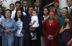 <!--:es-->Colombia, FARC at impasse despite hostage release<!--:-->