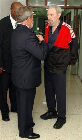 <!--:es-->Ailing Castro unable to speak in public<!--:-->