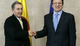 <!--:es-->Sarkozy meets Colombian president over hostage crisis<!--:-->