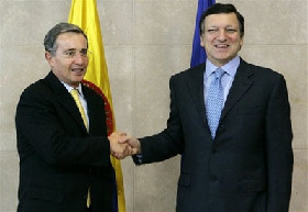 <!--:es-->Sarkozy meets Colombian president over hostage crisis<!--:-->