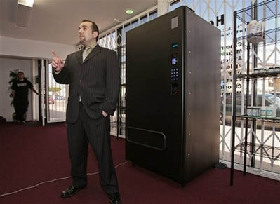 <!--:es-->Vending machines dispense pot in LA<!--:-->