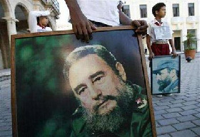 <!--:es-->Cuba's Castro may soon end mystery over his future<!--:-->