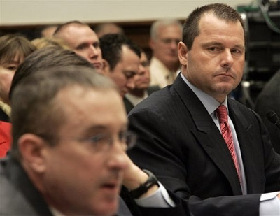 <!--:es-->Clemens takes his lumps on Capitol Hill<!--:-->