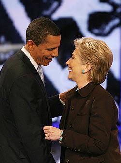 <!--:es-->Clinton's edge slips with whites, women<!--:-->