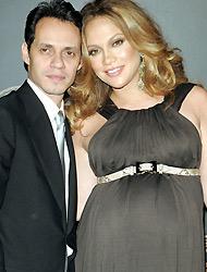 <!--:es-->Jugosa oferta coquetea a J.Lo . . . Le ofrecen $6 millones por dar exclusiva<!--:-->