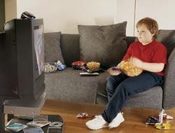 <!--:es-->Televisión engorda a niños! …Los bombardean con avisos de 'fast food'<!--:-->