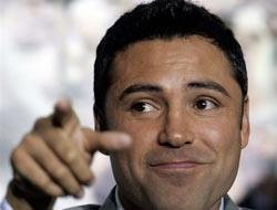 <!--:es-->De la Hoya comprará al Dynamo<!--:-->