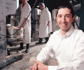 <!--:es-->Matrimonio hispano inicia y triunfa con Millonario negocio de cocina familiar<!--:-->