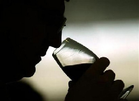 <!--:es-->Drinking may boost blood pressure more than thought<!--:-->