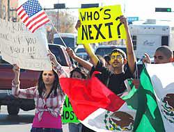 <!--:es-->Furor por deportación de estudiante …Nuevo México condena arresto y expulsión<!--:-->