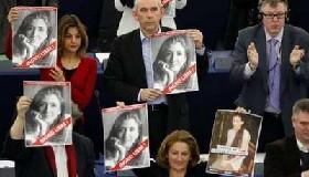 <!--:es-->Piden eurodiputados liberación de Ingrid  &#8230;El ex rehén Luis Eladio Pérez dijo que la franco-colombiana está muy mal y sin ánimo para continuar<!--:-->