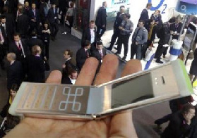 <!--:es-->Putting customers to work, Nokia takes on the Web<!--:-->