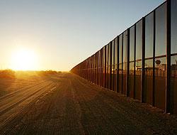 <!--:es-->El muro obstruye tareas de emergencia …Advierten peligros en caso de emergencia<!--:-->