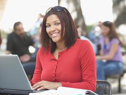 <!--:es-->Estudios universitarios por internet . . . Son cada vez más populares<!--:-->