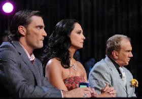 <!--:es-->Julián Gil como pescadito en el agua! ……Enamorado de los bikinis el juez busca una mujer auténtica!<!--:-->