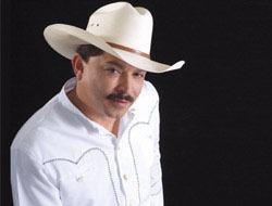<!--:es-->Muestra Emilio Navaira su fortaleza! …El cantante sufrió una lesión cerebral debido al choque del autobús que el manejaba<!--:-->