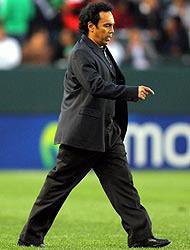 <!--:es-->Hugo Sánchez fue despedido! …Jesús Ramírez entrenará al 'TRI'<!--:-->