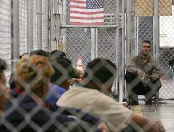 <!--:es-->Federal immigration officials raid Loudoun resort; 59 arrested<!--:-->