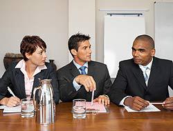 <!--:es-->Otra forma de buscar empleo – Recurre a compañías de reclutamiento<!--:-->