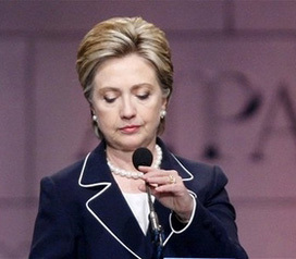 <!--:es-->Clinton decides to end campaign, support Obama<!--:-->
