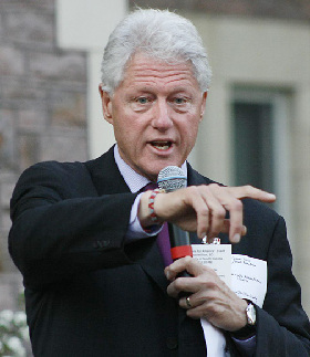 <!--:es-->Bill Clinton protagoniza nuevo escándalo!<!--:-->