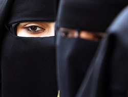 <!--:es-->La 'yihad' es cosa de hombres …Mujeres islamistas reprochan a Al Qaeda<!--:-->