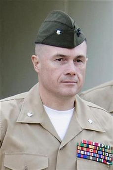 <!--:es-->Haditha charges dropped against top Marine officer<!--:-->