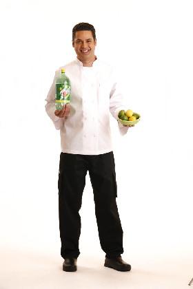 """<!--:es-->7UP y el Chef Carlos Hernández continúan la búsqueda de Chefs con Talento 100% Natural durante el Concurso """"7UP Receta para tu Exito""""<!--:-->"""
