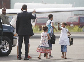 <!--:es-->Obama says kids won't be doing any more interviews<!--:-->