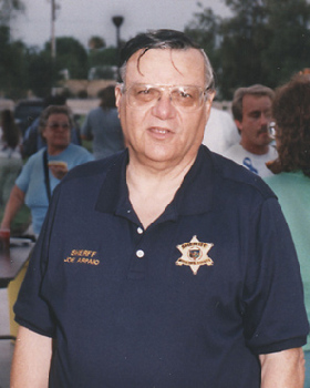 <!--:es-->Arizona lawman sued for alleged racial profiling<!--:-->
