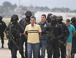 <!--:es-->Delincuentes dirigidos por policía …Fueron detenidos en Ciudad Juárez<!--:-->