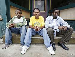 <!--:es-->Contratan a somalíes tras redada en Iowa<!--:-->