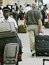 <!--:es-->Inició plan de autodeportación – Aumentan criticas al gobierno de Bush<!--:-->