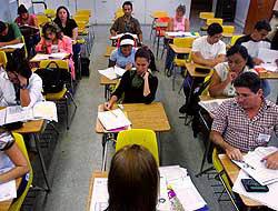 <!--:es-->Universidad para Adultos …Un programa de reingreso para latinos!<!--:-->