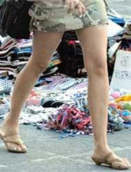 <!--:es-->A las mujeres les prohiben minifaldas …Iglesia pidió pudor a las mexicanas<!--:-->