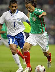 <!--:es-->México derrotó a Honduras! …El marcador fue 2-1 en el Azteca<!--:-->