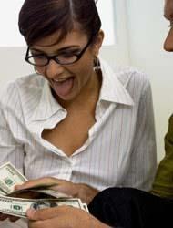 <!--:es-->¿Cuánto necesitas ganar para ser feliz? . . . Un salario alto no te lo garantiza<!--:-->