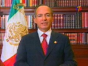 <!--:es-->Inmigrantes con Obama, pero… Felipe Calderón hizo el guiño a McCain<!--:-->