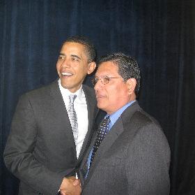 <!--:es-->Aplica Barak Obama millonaria campaña en busca de más votos latinos<!--:-->