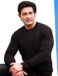 <!--:es-->Fernando Colunga desea más cine<!--:-->