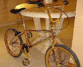 <!--:es-->Una bicicleta de Oro de 24 kilates!<!--:-->