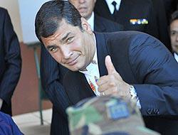 <!--:es-->Ecuador aprobó nueva constitución . . . Correa con victoria clave en las urnas<!--:-->