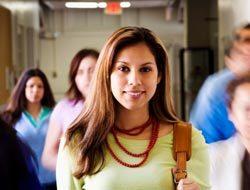 <!--:es-->Cada vez más latinos piensan en la Universidad<!--:-->
