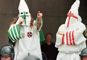<!--:es-->Demandan al Ku Klux Klan<!--:-->