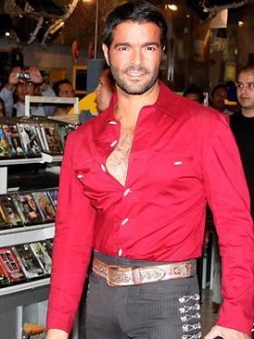 <!--:es-->Pablo Montero falta otra vez a su audiencia   . . . Por problemas con su visado, el actor de Fuego en la sangre no acude a la corte de Miami que le sigue un caso por posesión de drogas<!--:-->
